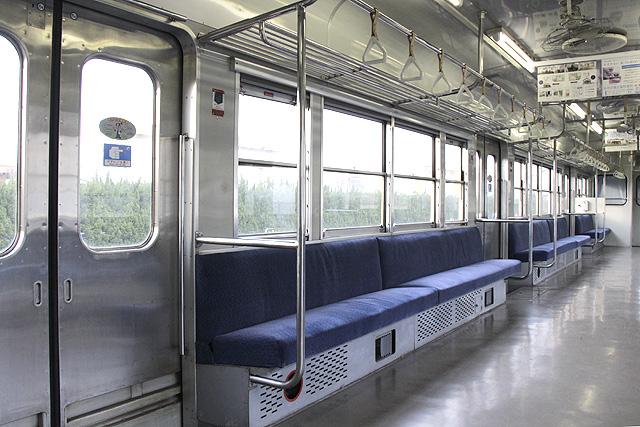 水島臨海鉄道キハ30形 座席、袖仕切り