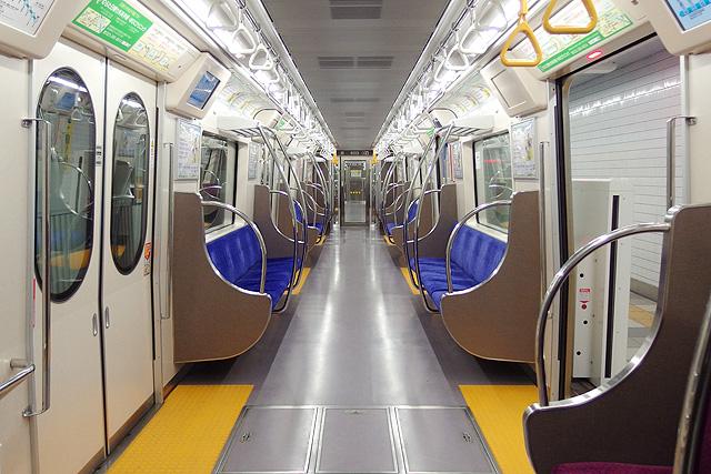 仙台市地下鉄2000系車内