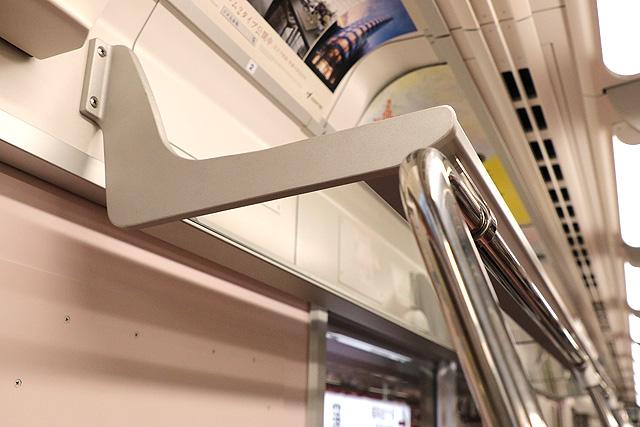 東京メトロ2000系 荷棚