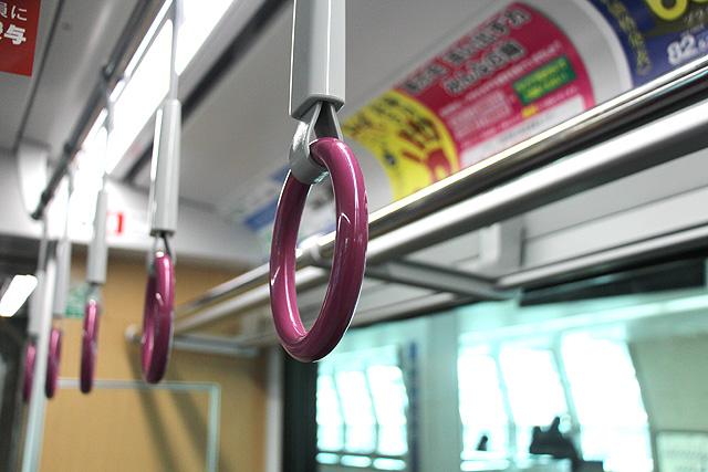 大阪モノレール3000系 吊革
