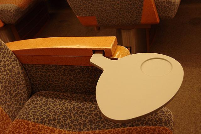 南海50000系 座席テーブル