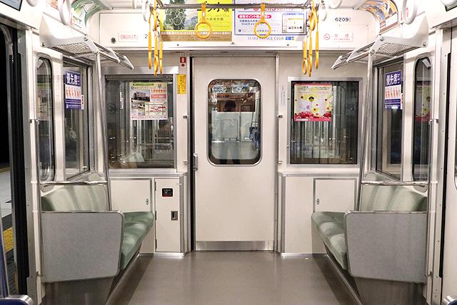 西武6000系(ステンレス車、直通対応)貫通路