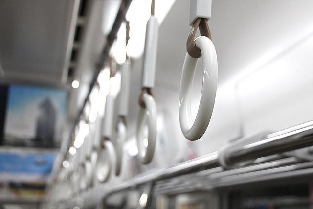 南海8300系(2次車)吊革