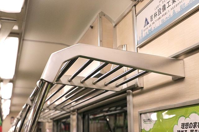 京阪6000系(リニューアル車) 荷棚