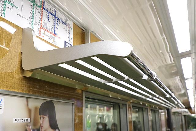 阪急7000系(VVVF化リニューアル車)荷棚