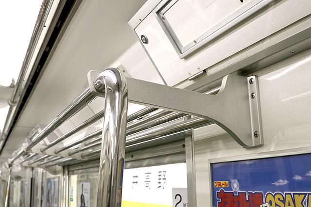 Osaka Metro 80系 荷棚