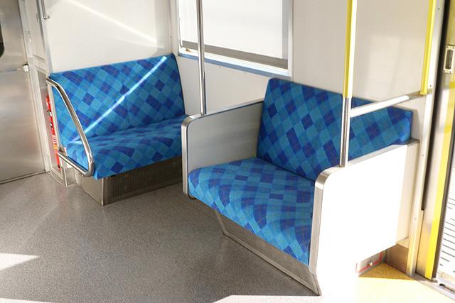 上信電鉄700形 車端部2人掛けシート