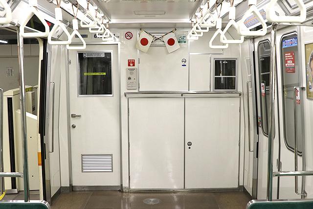 Osaka Metro 80系 乗務員室背面