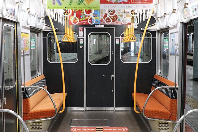 近鉄2800系AX17編成(B更新車)乗務員室背面