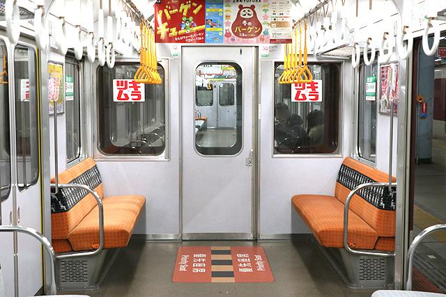 近鉄2430系(B更新車)貫通路