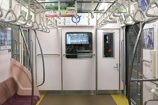 小田急4000形 乗務員室背面