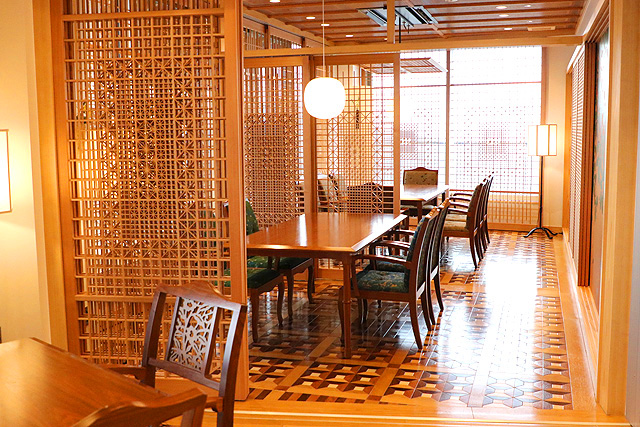 下田ロープウェイ レストラン THE ROYAL HOUSE店内