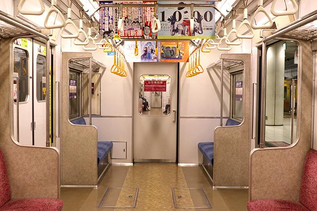 東京メトロ7000系(初期車)貫通路