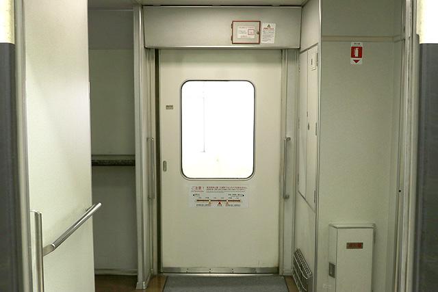 東武200系 客用ドア