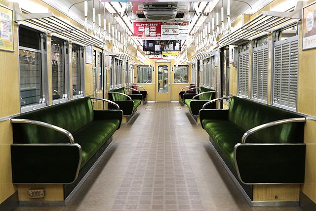 阪急5300系(後期更新車)車内