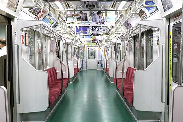 東京メトロ02系(後期B修車)車内デザイン