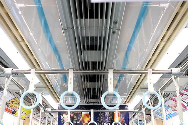 小田急1000形(リニューアル車)天井、冷房吹出口