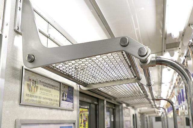 Osaka Metro 10A系 荷棚
