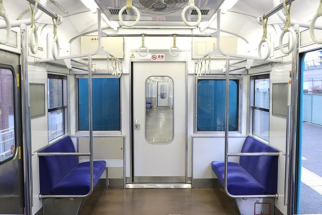 JR西日本103系(R1編成)貫通路(妻窓付車両)