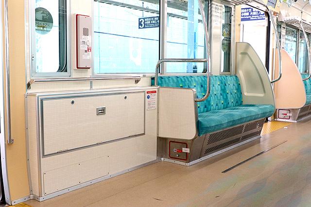 小田急1000形(リニューアル車)車いすスペース