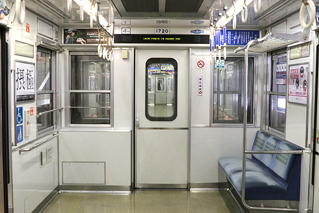 Osaka Metro 10A系 貫通路(初期車編入車両)