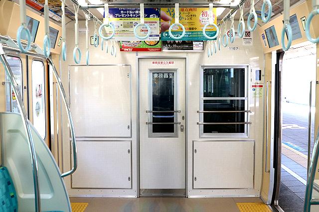 小田急1000形(リニューアル車)乗務員室背面