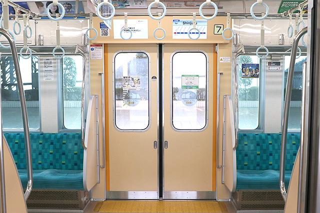 小田急1000形(リニューアル車)客用ドア
