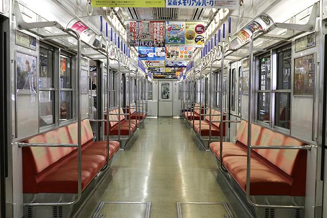 Osaka Metro 10A系 車内デザイン