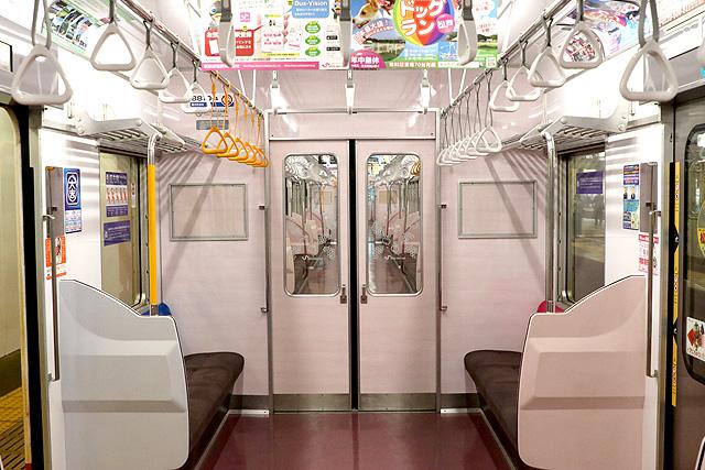 新京成8800形(リニューアル車)貫通路