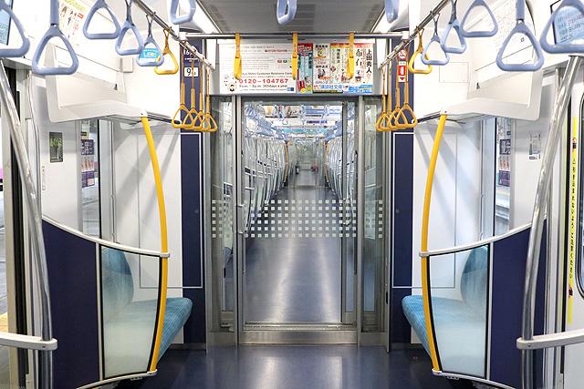 東京メトロ16000系(4次車~)貫通路