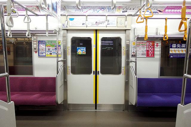 京王9000系(8両編成車)客用ドア