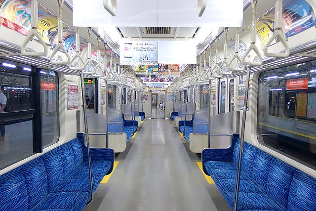 東京臨海高速鉄道りんかい線70-000形 車内デザイン