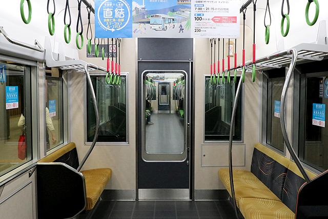 京阪13000系(2016年~増備車)貫通路