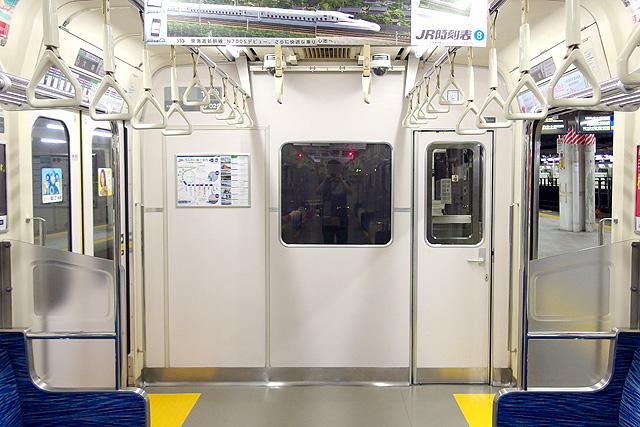 東京臨海高速鉄道70-000形 乗務員室背面