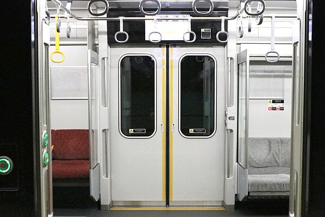 相鉄20000系 客用ドア