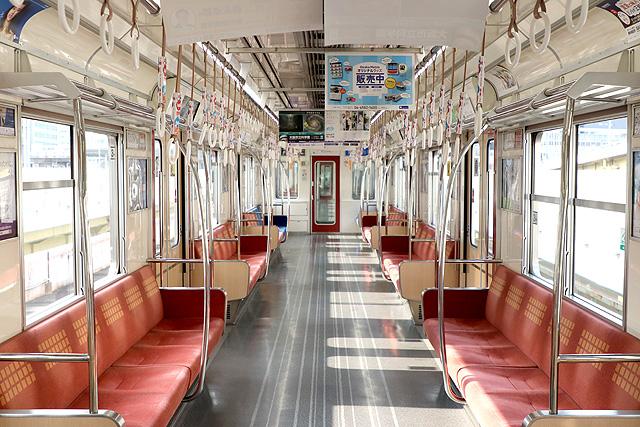 Osaka Metro 21系(2018年リニューアル車)車内デザイン