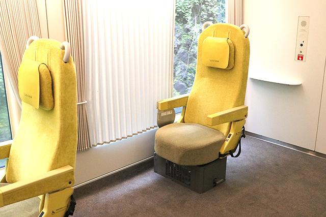 西武001系Laview 車椅子対応シート