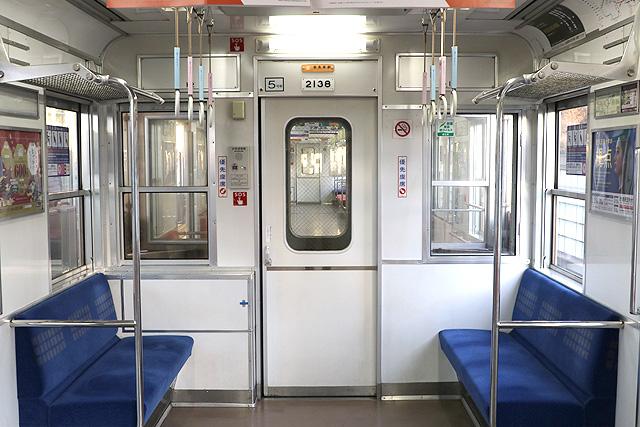 Osaka Metro 20系 貫通路