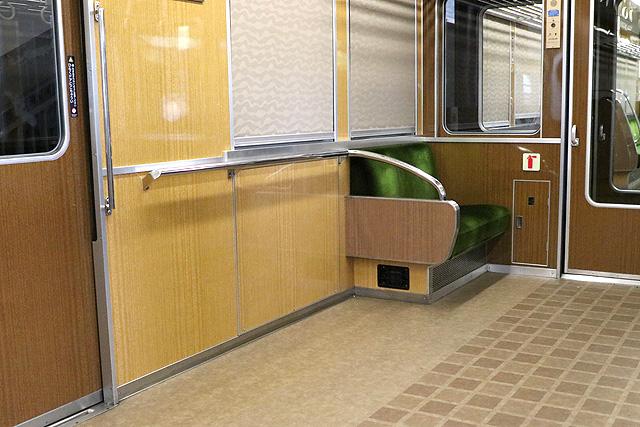 能勢電鉄7200系 車いすスペース