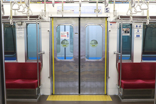 小田急8000形(後期更新車)客用ドア