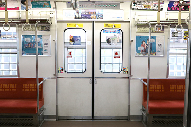 Osaka Metro 20系 客用ドア