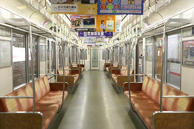 Osaka Metro 25系 車内デザイン