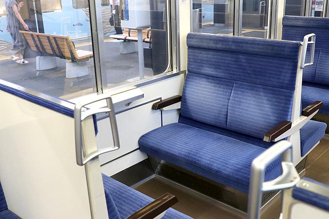 西武4000系 座席 ボックスシート、テーブル