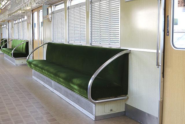 阪急5100系 座席、袖仕切り、鎧戸