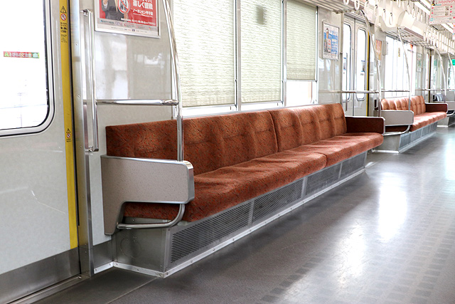 阪神8000系(タイプⅣ)座席、袖仕切り、カーテン