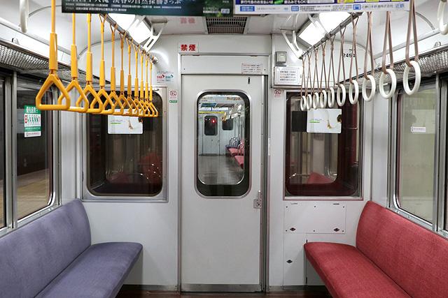 近鉄2430系(初期B更新車)貫通路