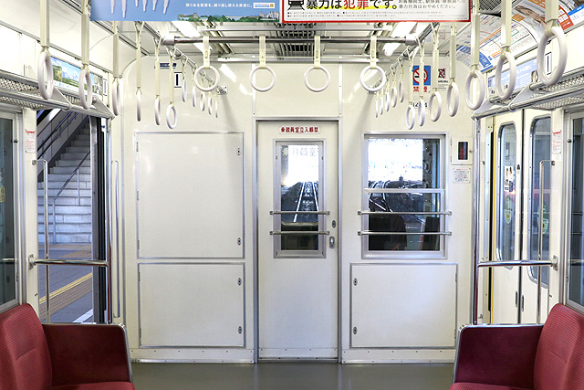 小田急1000形(未更新車)乗務員室背面