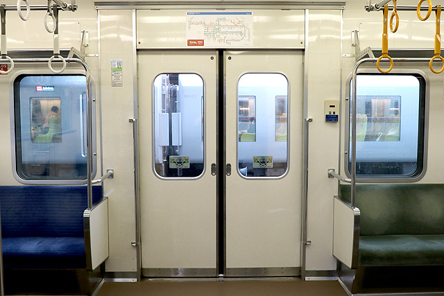 西武4000系 客用ドア