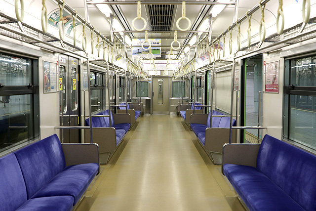 JR西日本201系 車内デザイン