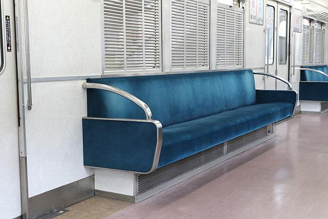 能勢電鉄3100系 座席、袖仕切り、鎧戸